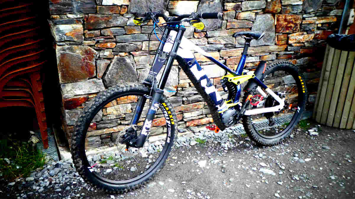 what is an electric mountain bike