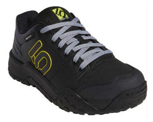Downhill Mountain Bike Gear - shoes