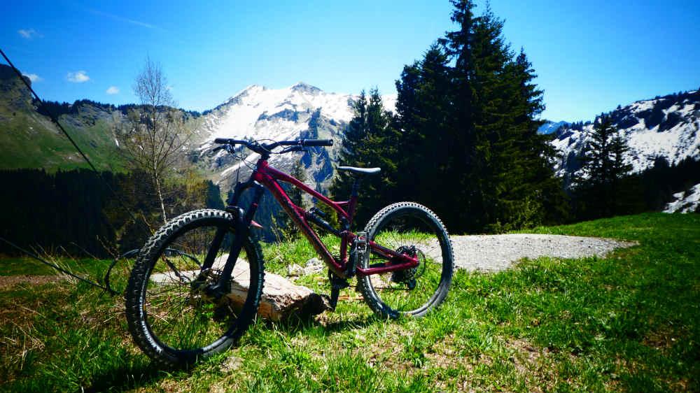 Enduro Bike vs Trail Bike - nuke proof mega