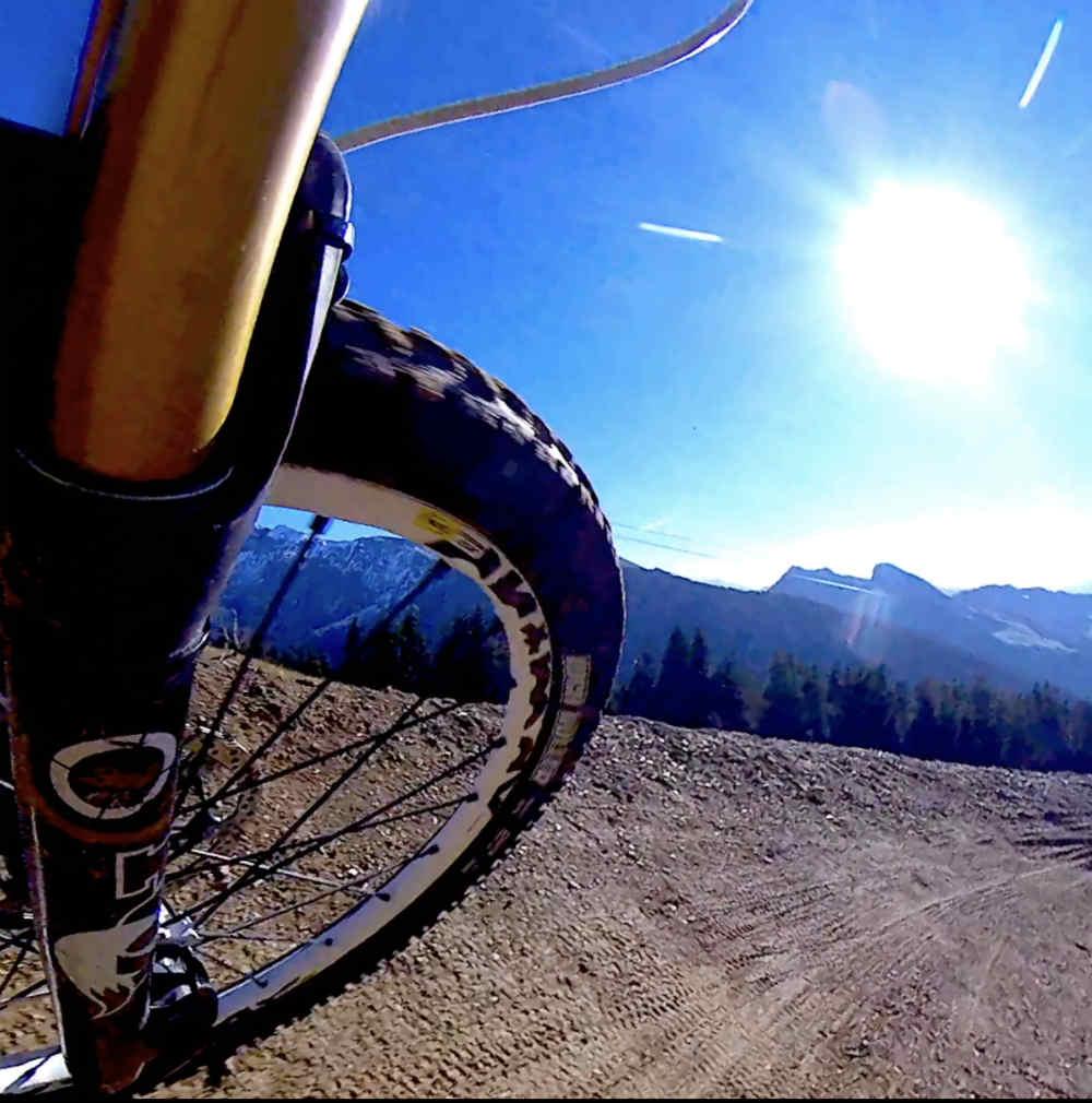 Enduro Bike vs Trail Bike - suspension