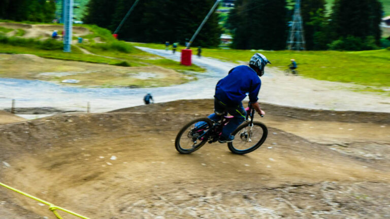 What Mountain Bike Tyre Pressure To Use - berm